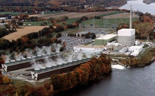 Vermont Yankee's owners are scheduling a refueling despite the potential for the plant not getting a license renewal.